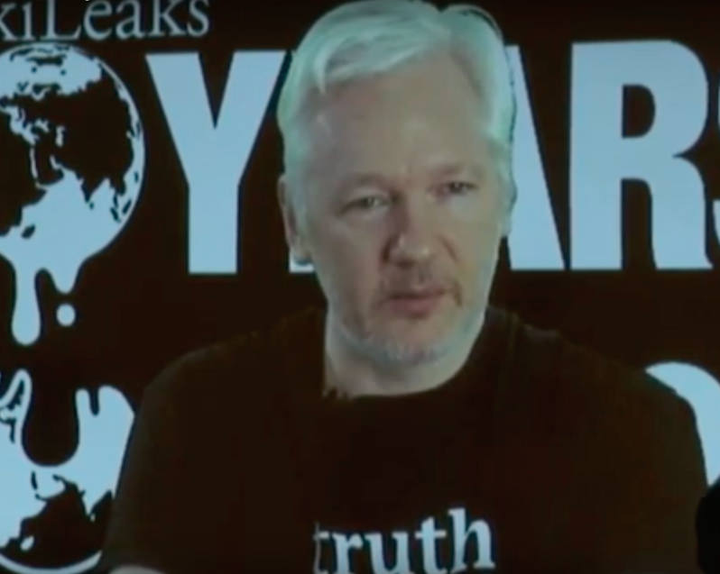 Assange Promises 'Significant' Leak Before Election, Urges Journalists to Lend a Hand