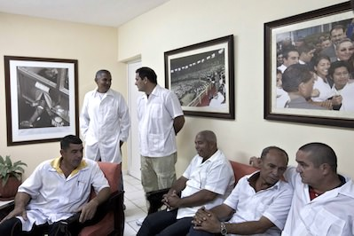 Truthdiggers of the Week: Cuban Medical Workers Fighting Ebola