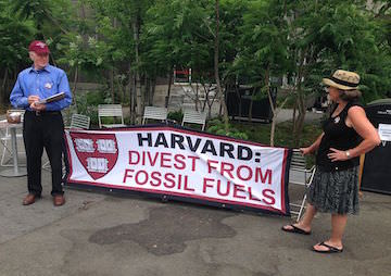 Investors Opt Out of Fossil Fuels as Climate Summit Nears