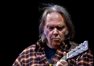 Neil Young Donates $100,000 in Support of Vermont's GMO Disclosure Law