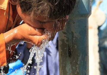 Emergency Measures Imposed in Pakistan as Heat Wave Death Toll Approaches 700