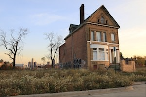 Federal Cash to Help Homeowners Will Raze Properties Instead