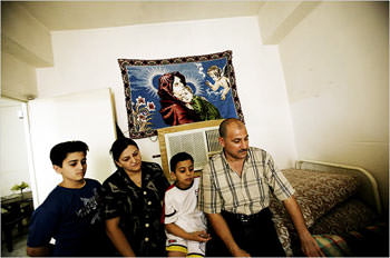 As Death Stalks Iraq, Middle-Class Exodus Grows
