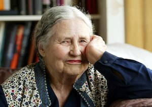 Doris Lessing, Voice for Many Ages, Dies at 94