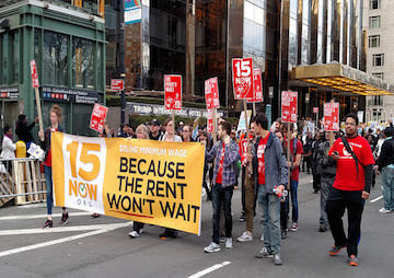 New York's Fast-Food Workers to Be Paid $15 Minimum Wage by 2021