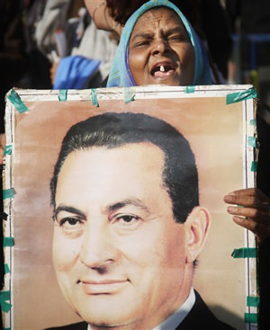 Mubarak Is Rolled Back Into Court