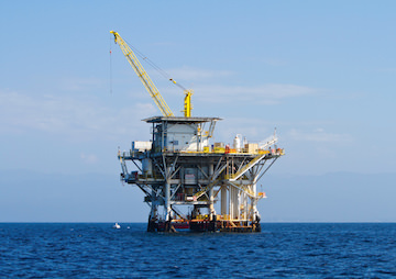 Obama Plans to Allow Drilling on America's East Coast