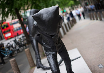 'Rat Banker' Statues That Popped Up in London's Finance District Turn Out to Be Cats