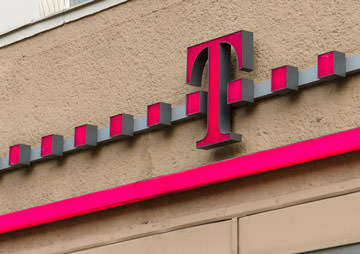 All of America's Wireless Carriers Suck, but T-Mobile Is the Fastest