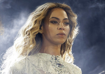 Beyoncé's Forceful Message About Cop Shootings of Sterling and Castile: 'Stop Killing Us'