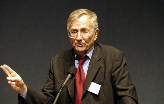 Seymour Hersh Honored for Integrity, Truth-Telling
