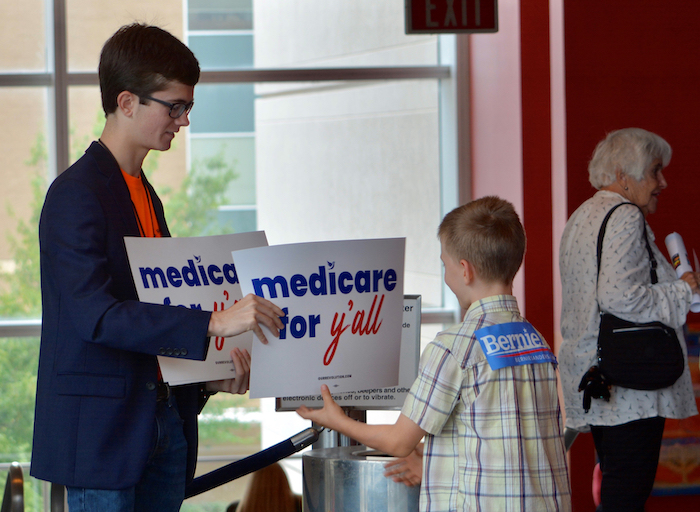 Everybody Wants 'Medicare for All'—Except Our Leaders