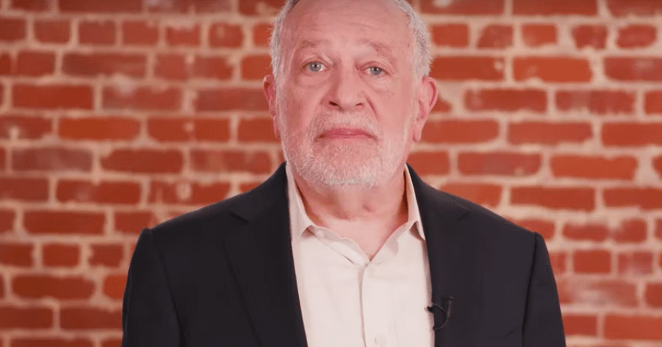 Robert Reich: A Centrist Cannot Win in 2020
