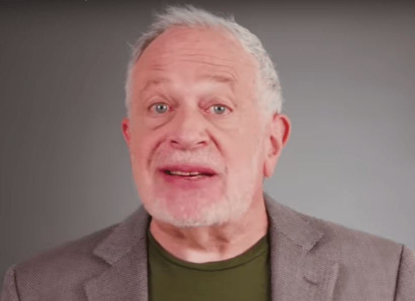 Robert Reich: America Can't Afford Not to Elect Sanders or Warren
